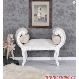 Stylová lavice ve barokním...