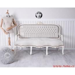 Elegantní pohovka v bílé barvě