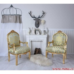 Židle s područkami v zelené...