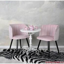 Retro židle v růžové barvě