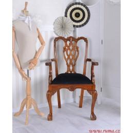 Dřevěné židle v černé barvě