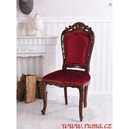 Dřevěné židle v červené barvě