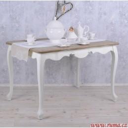 Jídelní stůl v romantickém...