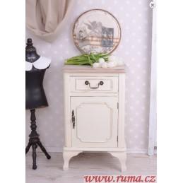 Noční stolek v stylu provence