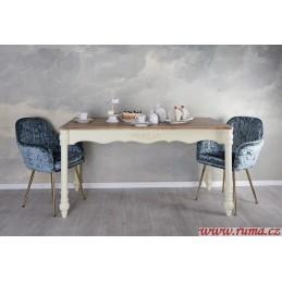 Klasicky jídelní stůl